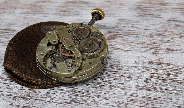 clock-1205634_640
